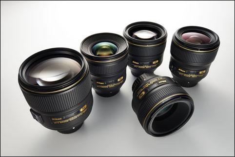 AF-S NIKKOR 105mm f1.4E ED 렌즈를 포함한 조리개 F값 1.4의 니콘 렌즈 이미지 컷
